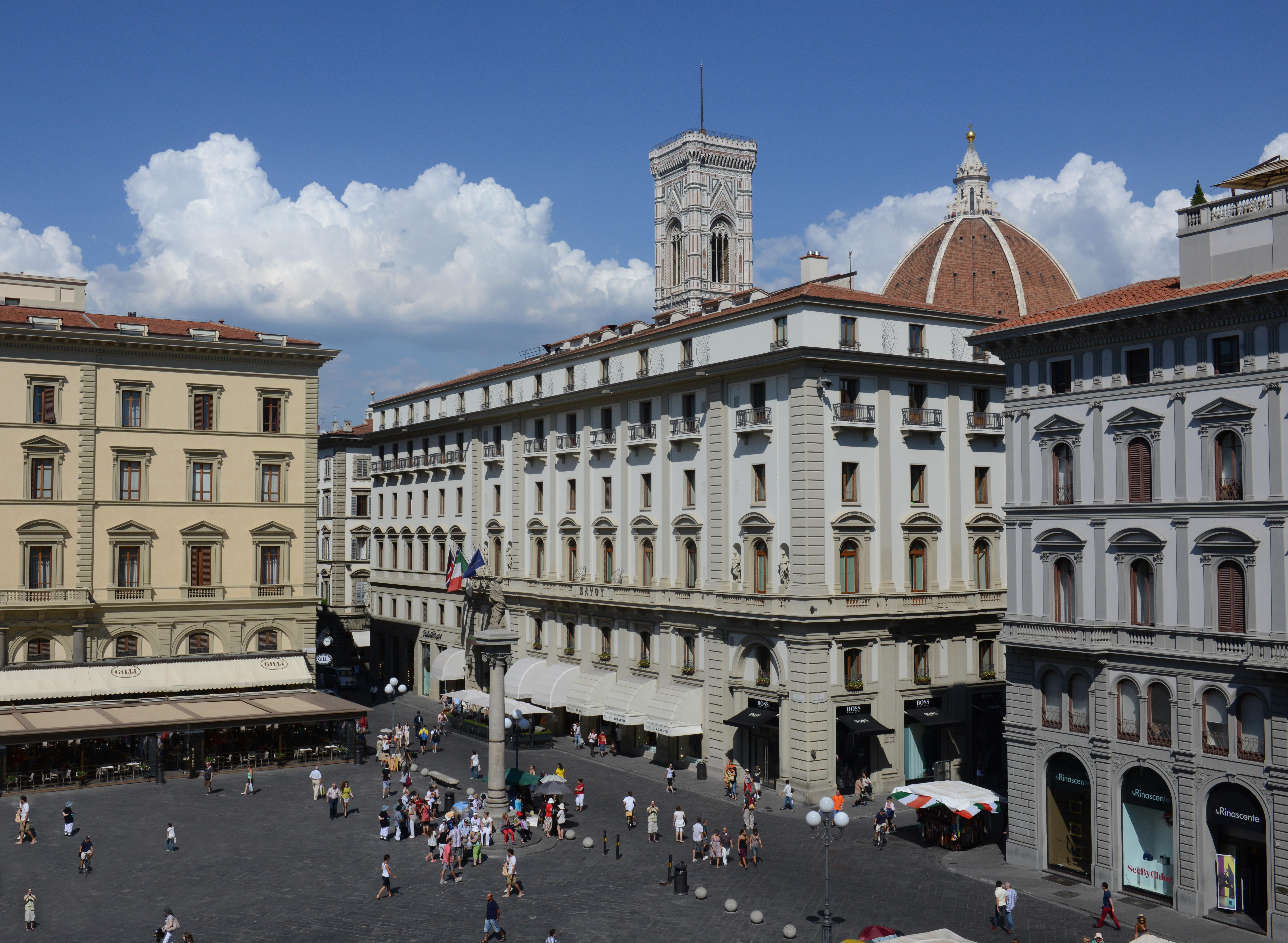 RFH SAV - INSTITUTIONAL Piazza della Repubblica